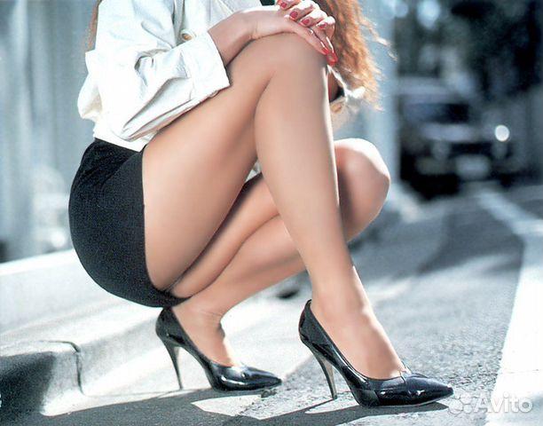 Девушка в очень короткой мини юбке. Красивые новости: Мини юбки сейчас и т