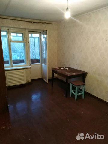 Продается двухкомнатная квартира за 1 100 000 рублей. Балашов, Саратовская область, улица 50 лет ВЛКСМ, 15.