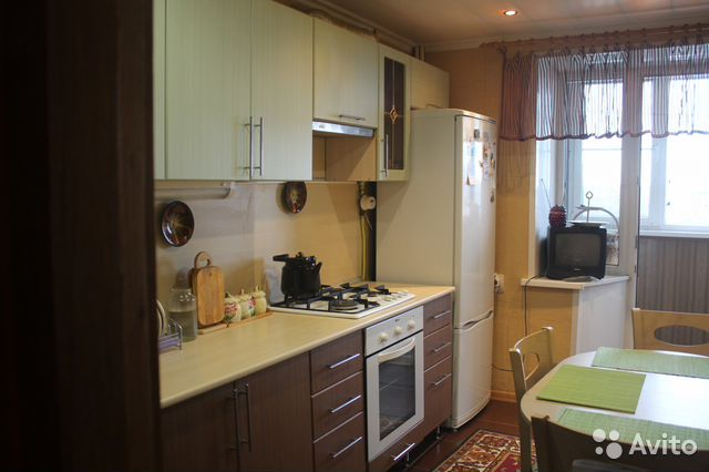 Продается четырехкомнатная квартира за 4 600 000 рублей. Курск, Семёновская улица, 98.