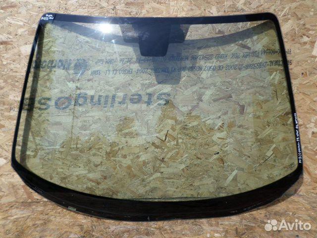 Лобовое стекло на мазду 3  оригинал