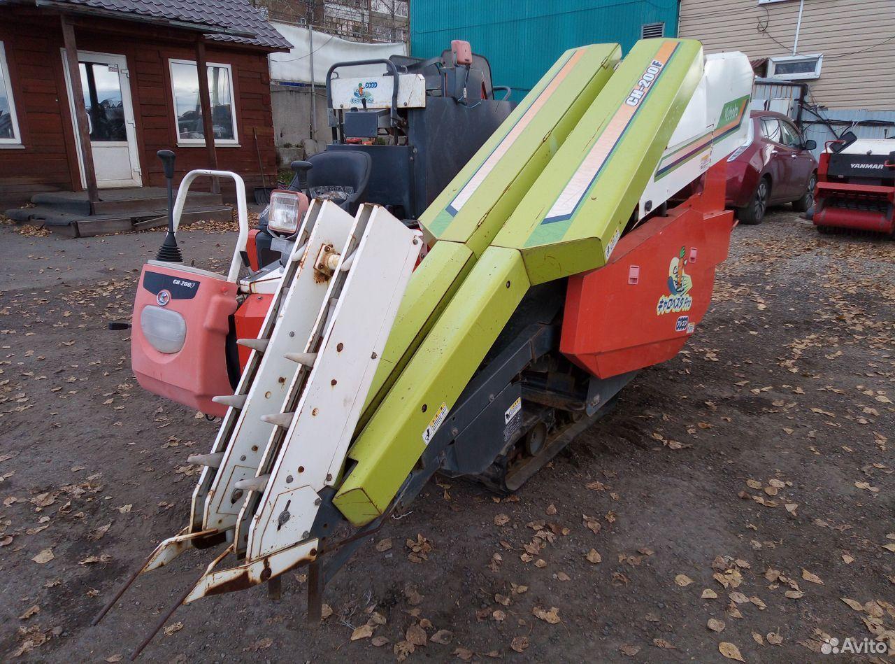 Морковоуборочный комбайн самоходный Kubota CH200F  89500511111 купить 1