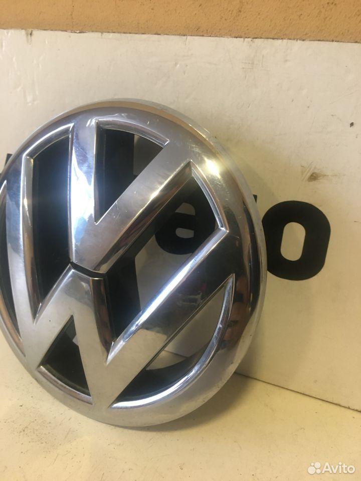 Эмблема решетки Volkswagen Jetta 6  89174474102 купить 2