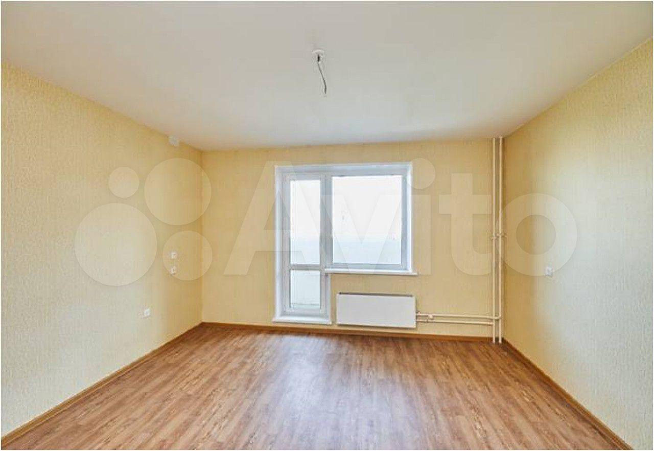 3-room apartment, 76 m2, 3/10 FL.  89587396655 buy 2